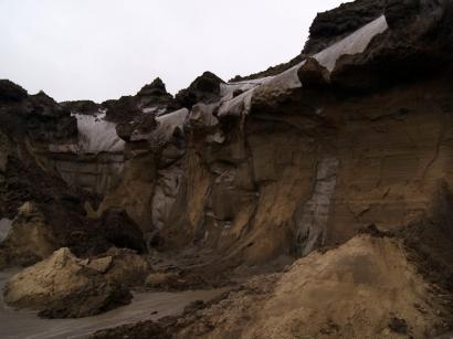 Урочище Буор-Хайа. Ледяные обрывы (повторно-жильный лед)(5)