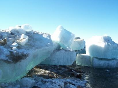 Льдины-айсберги