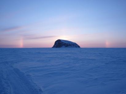 Закат над островом Столб в дельте Лены