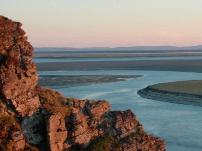 Вид на Оленекскую протоку реки Лены с острова Столб