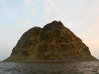 Огромная гора-загадка